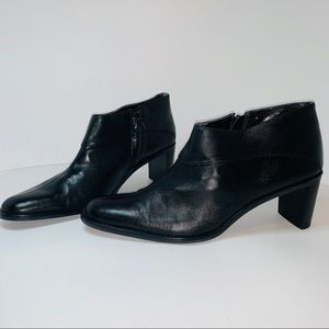 Etienne Aigner Black leather ankle boots size 9